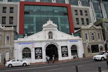 Cape Quarter in Green Point mit historischer Hausfassade in Greenpoint